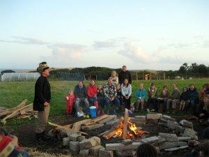 dom-firesidecrowd29-7-09
